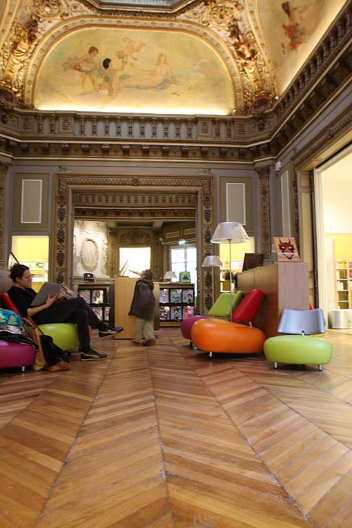 L 39 int rieur de la biblioth que chaptal 9e arrondissement for Mairie salon