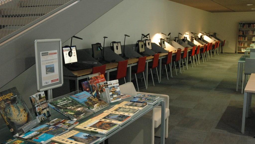 Bibliothèque des Champs libre - Espace Vie du Citoyen - Flickr