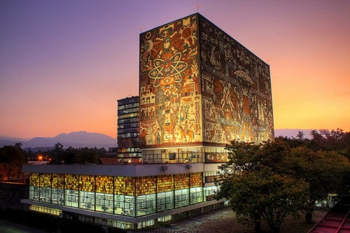 La bibliothèque centrale de l'université nationale autonome de Mexico